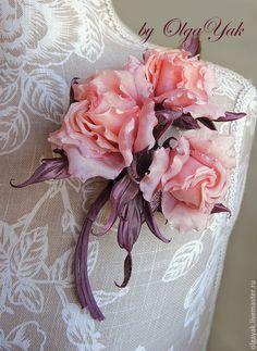 Купить Цветы из ткани. Цветы из шелка. Букетик-брошь Розовый шоколад - кремовый, лососевый, шоколадный