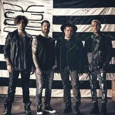 Best band ever= fall out boy!