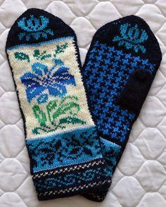 Wool Mittens Norwegian Scandinavian folk art, hand crafted, 100% Wool,  Flower Fair Isle