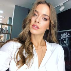 Haircuts For Long Hair, Hairstyles Haircuts, Straight Hairstyles, Bio Instagram, Blonde Hair With Highlights, Brown Blonde Hair, Turkish Beauty, Thing 1, Young And Beautiful