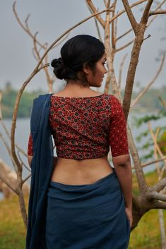 Kaattadi – The Kaithari Project Cotton Saree Blouse Designs, Fancy Blouse Designs, Blouse Patterns, Stylish Blouse Design, Stylish Sarees, Indian Designer Outfits, Bollywood Saree, Bollywood Fashion, Bollywood Actress