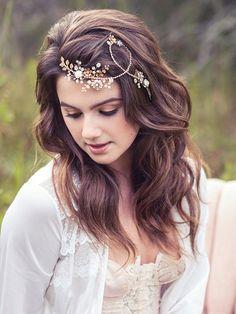 Jeweled Haar Brosche Hochzeit Blumen Kopf Stück von Elibre auf Etsy                                                                                                                                                                                 Mehr
