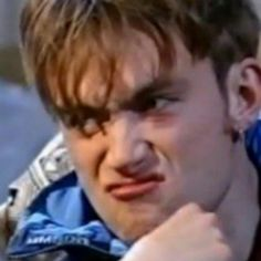 Disgusted Damon AKA the image that's making me laugh so hard and I can't describe why Damon Albarn, Jamie Hewlett, Blur Band, Best Profile Pictures, Reaction Face, Skinny Guys, Britpop, British Men, Daddy Issues