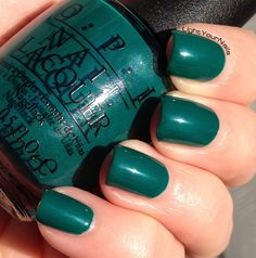 swatches smalto OPI verde petrolio swatches nail lacquer OPI verde petrolio