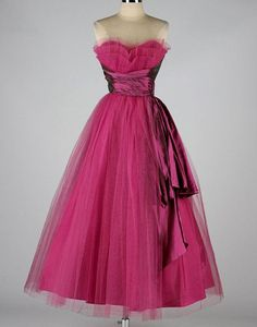 Gorgeous! Would love this in lovely in some shade of purple for Holly Magenta Strapless Dress