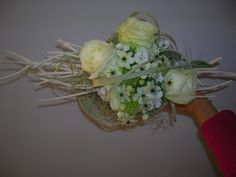 bruidsboeket - witte roos, ornitogalum, tylansia, calla, dianthus - flowered by falenopsis boechout