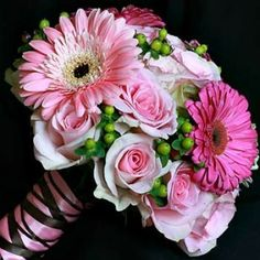 Gerber Daisy Bridesmaid Bouquets | Bridal bouquets with gerbera daisies pictures 2