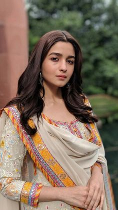 Best Trendy Outfits Part 2 Bridal Dresses 2017 Pakistani, Indian Dresses, Indian Outfits, Pakistani Suits, Bollywood Fashion, Bollywood Actress, Bollywood Style, Alia Bhatt Cute, Indian Designer Outfits