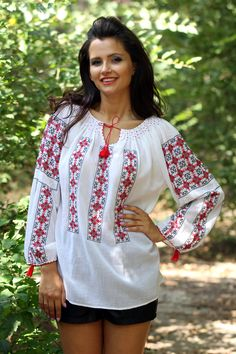 Ie Românească - Chic Roumaine Folk Fashion, Pretty Little, Business Casual, Tunic Tops, Costumes, Embroidery, Clothes For Women, Knitting, Chic