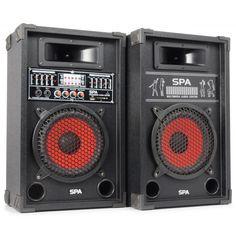 Set de altavoces auto-amplificados ideal para karaoke con woofer de 8 y amplificador digital integrado, micrófono con efecto delay y echo ajustable, USB y SD, 2 entradas de micrófonos, entrada seleccionable de linea y ecualizador individual de 5-bandas