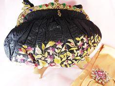Sac à main vintage de la boutique sac Français Satin Noir, Beauvais, Pompadour, Boutique, Point, Boho Shorts, Vintage, Purses, Bags