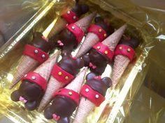 Ice Cream cake pops MINNIE/MICKEY