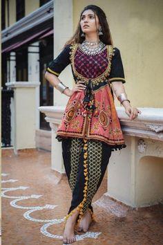Dress Indian Style, Indian Fashion Dresses, Indian Designer Outfits, Pakistani Dresses, Indian Outfits, Fashion Outfits, Indian Wear, Pakistani Bridal, Fashion Pants