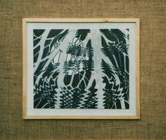 """Omaggio a M.C.Escher, marmo inciso e patinato, Laboratorio Marmi e pietre - sez. Decorazione plastica, anni '90. Istituto statale d'arte """"Stagio Stagi"""" di Pietrasanta."""