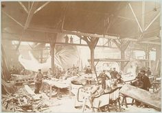 Statue of Liberty Being Built in 1883 Men in a workshop hammering sheets of copper for the construction of the Statue of Liberty Rare Historical Photos, Rare Photos, Photos Du, Vintage Photographs, Old Photos, Vintage Photos, Rare Images, Iconic Photos, Funny Images