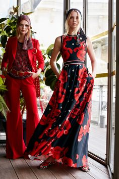 Elie Saab Resort 2019 Fashion Show Collection: See the complete Elie Saab Resort 2019 collection. Look 13 Fashion Mode, Look Fashion, Runway Fashion, Trendy Fashion, High Fashion, Fashion Show, Womens Fashion, Fashion Design, Fashion Trends