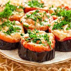 Баклажаны под помидорами с сыром