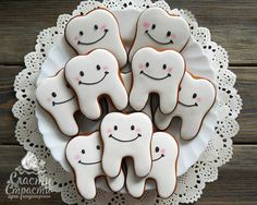 teeth | Cookie Connection Galletas Cookies, Sugar Cookies, Dental Cake, First Birthday Centerpieces, Bachelorette Cookies, Tooth Cake, First Tooth, Cookie Designs, Appreciation Gifts