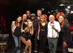 NEWS:  Anastacia with her band and the radio hosts from RTL 102.5.