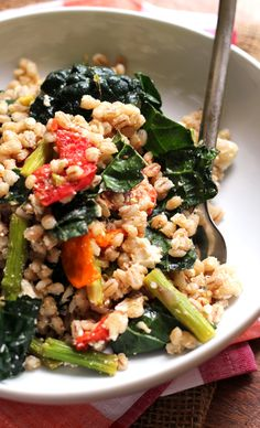 Farro Salad with Honey-Roasted Garlic Tomatoes, Asparagus, and Kale | Joanne Eats Well With Others