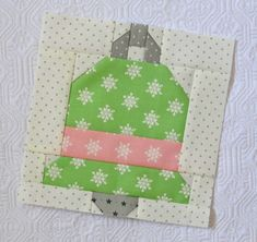 It is finally my turn on the Vintage Christmas sew along! I have been patiently awaiting my turn to show you some of this week's blocks. Are you ready? First, let me introduce you to the new book by Lori Holt of Bee in my Bonnet Company. Christmas Blocks, Christmas Quilt Patterns, Christmas Sewing, Quilt Block Patterns, Quilt Blocks, Vintage Christmas, Christmas Ideas, Christmas Quilting, Christmas Patchwork
