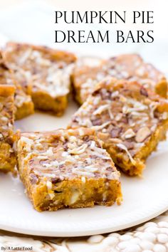 Pumpkin Pie Dream Bars: These homemade pumpkin bars with sweetened condensed milk are practically magic! These are a bit of a fall take on a seven layer bar, making these Pumpkin Pie Dream Bars rich, sweet, Fall Desserts, Just Desserts, Delicious Desserts, Dessert Recipes, Yummy Food, Dessert Ideas, Simple Dessert, Thanksgiving Desserts, Brunch Recipes