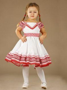 Ukrainian national Dress for girls. Ukrainian traditional clothes for girl. Baby Girl Dresses, Baby Dress, Flower Girl Dresses, Baby Girls, Ukrainian Dress, Embroidery Dress, Kind Mode, Green Dress, Dress Red