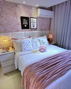 Room Design Bedroom, Teen Bedroom Designs, Home Room Design, Room Ideas Bedroom, Small Room Bedroom, Home Decor Bedroom, House Furniture Design, Cute Room Decor, Aesthetic Room Decor