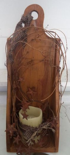 Wood candle box with timer candle Primitive Candles, Primitive Crafts, Candle Box, Wood Candle Holders, Living Room Decor Country, Country Decor, Mike Craft, Primitive Country Homes, Prim Decor