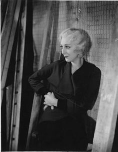 Portraits of Ann Dvorak. Makes You Beautiful, Beautiful Women, Hollywood Fashion, Hollywood Style, Hollywood Actresses, Classic Hollywood, Ann Sothern, Susan Hayward, How To Pronounce