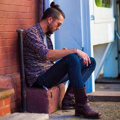 Like his haircut and his shirt. #mensfashion #casualman