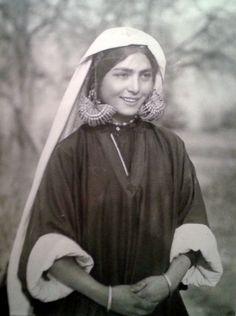 Kashmiri girl, India. 1939.