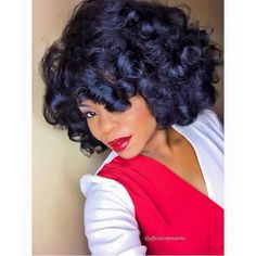 What Is Hair Shrinkage and how to prevent shrinkage on natural hair? All you need to know about hair shrinkage hair, recommended products and hair styles. Roller Set Natural Hair, Natural Hair Blowout, Love Hair, Big Hair, Curly Hair Styles, Natural Hair Styles, Work Hairstyles, Hairdos, Wedding Hairstyles
