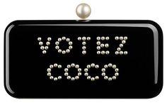 Chanel  Minaudière Votez Coco en plexiglass ornée de perles