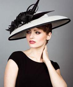 Šta se krije iza velikih popularnih šešira ove zime?
