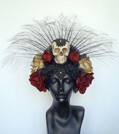 Day of the Dead Skull & Flower Headdress halloween flowercrowns http://www.floronite.ro/idei-de-halloween-party/