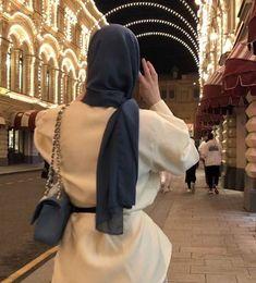 Winter Fashion Outfits, Hijab Fashion, Beautiful Beach Pictures, Cute Asian Babies, Images Esthétiques, Muslim Women Fashion, Islamic Girl, Modest Wear, Hijabi Girl
