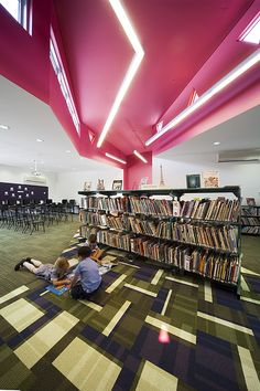 Image 2 of 20 from gallery of Sacred Heart Primary School Library / Suters Architects. Photograph by Gollings Photography University Architecture, Sacred Architecture, Education Architecture, School Architecture, Architecture Details, Interior Architecture, Secondary School, Primary School, Elementary Schools