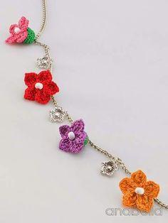Collar flor crochet y bisutería