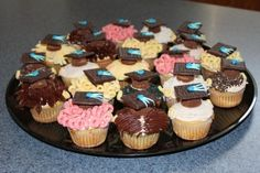 Head of the Class Graduation Cupcakes