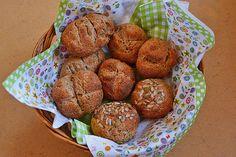 Quark - Vollkornbrötchen, ein sehr leckeres Rezept aus der Kategorie Brot und Brötchen. Bewertungen: 91. Durchschnitt: Ø 4,4.