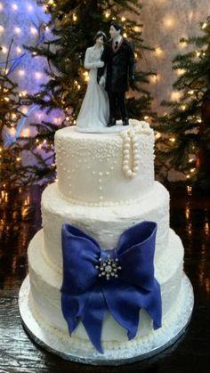 Vintage Glam Winter Wedding Cake