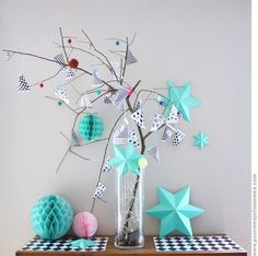 Pretty, modern and colorful DIY advent calendar by pour mes jolis mômes Advent Calenders, Diy Advent Calendar, Handmade Christmas, Christmas Crafts, Christmas Decorations, Xmas, Christmas Branches, Noel Christmas, Paper Decorations