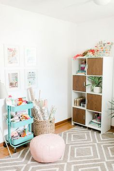 Tips For Organizing And Designing Your Dream Office | http://dreamgreendiy.com + /glitterguide/ + @BHG