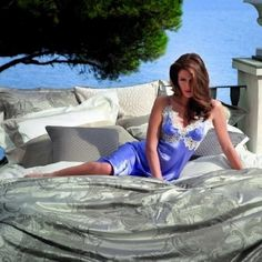 Лучшее постельное бельё, элегантная домашняя одежда и обувь от Frette сделают вашу жизнь ещё ярче и комфортней. Окружите себя красотой и изяществом. #beautiful #style #chic #постельноебелье #домашняяодежда #дизайн