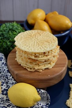 Lemon Pizzelles Della Sondra - Girl Abroad - New Ideas Pizelle Recipe, Italian Cookie Recipes, Italian Cookies, Italian Desserts, Greek Recipes, Pizzelle Cookies, Pizzelle Maker, Cookies, Deserts