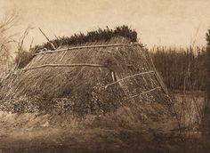 Primitive Chemehuevi dwelling (The North American Indian, v. XV. Norwood, MA, The Plimpton Press, 1926)