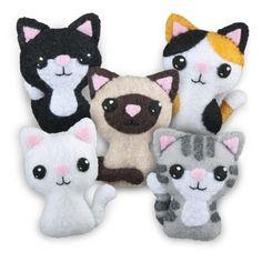 Adorables gatitos de fieltro.