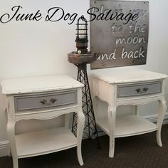 50/50 mix of Old White and Pure White. Paris Grey on the drawers. #anniesloan