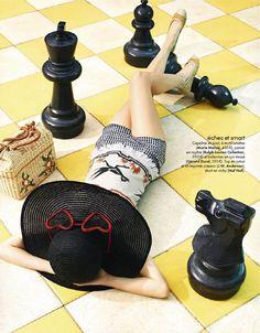 Hannah Holman by Simon Burstall for Elle France, great vintage influenced look with raffia